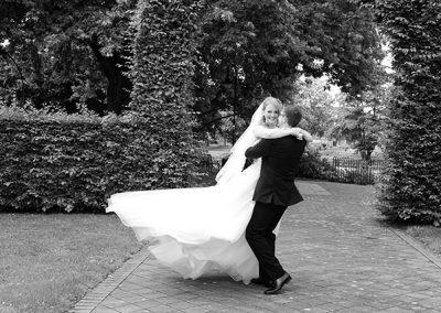 Hochzeitsfotograf Tanzendes Brautpaar